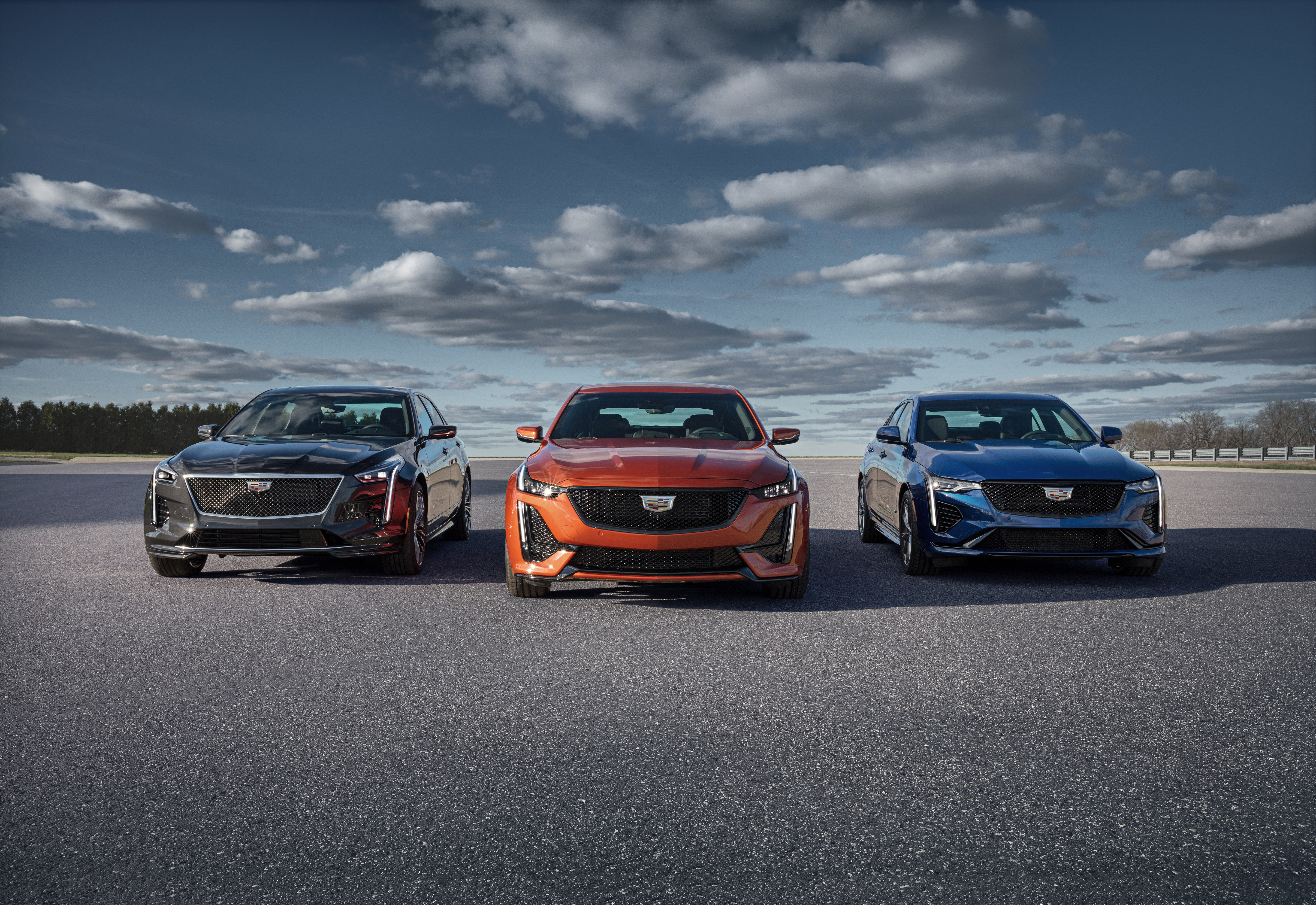 Cadillac V Series >> Cadillac Reveals First Ever Ct4 V And Ct5 V