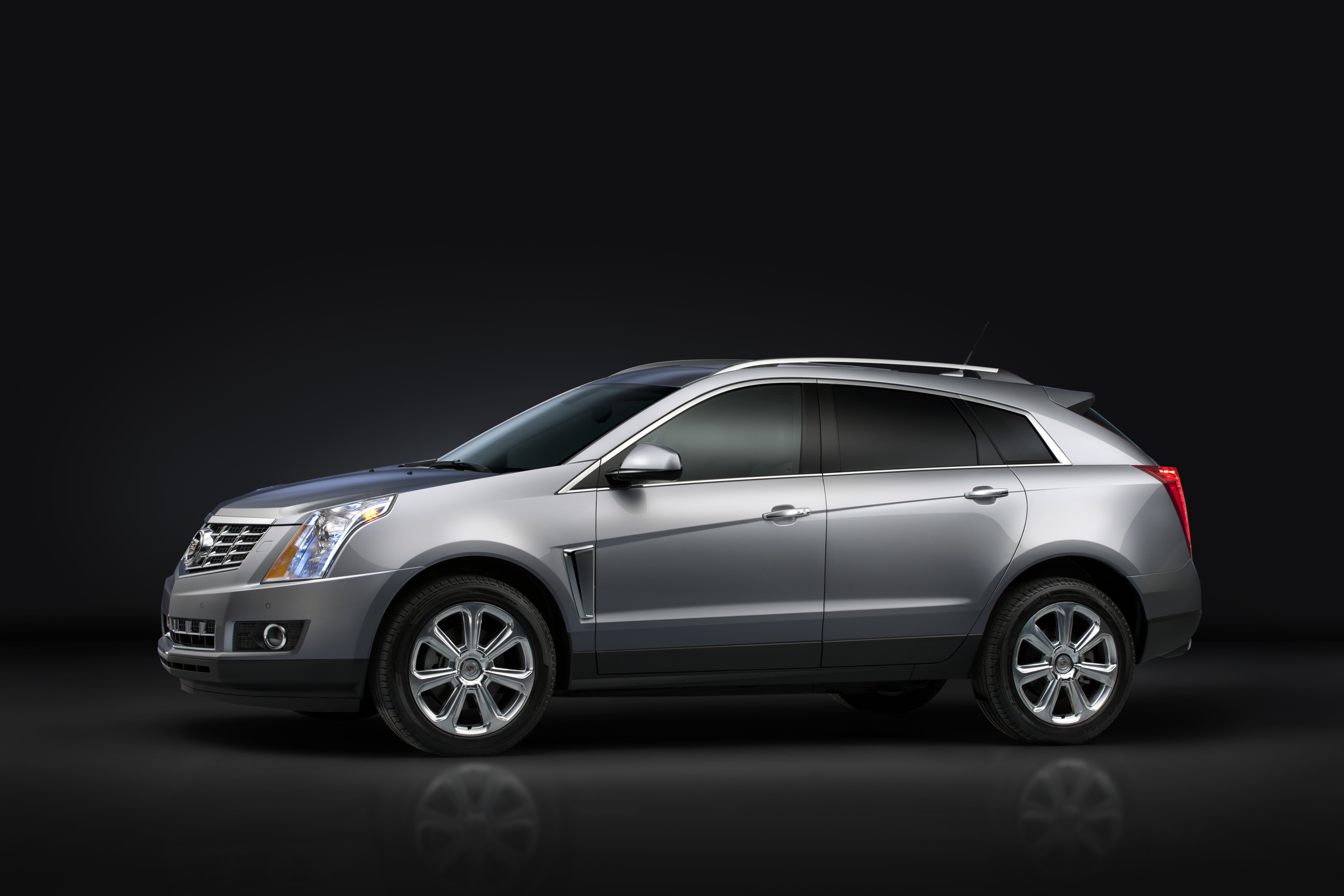 l awd driving cadillac suv review rapha srx created road test luxury collection with reviews