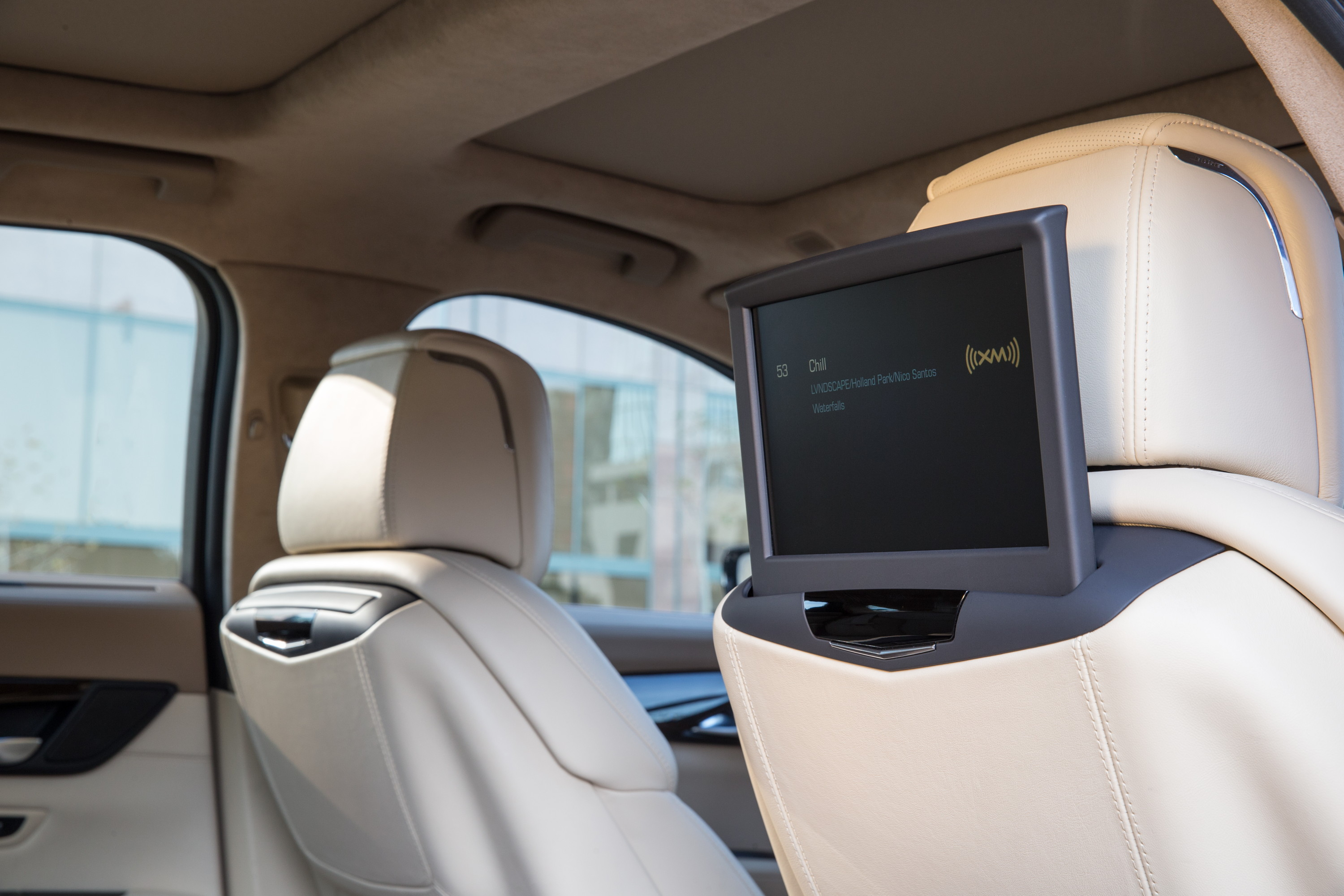 Cadillac CT6 rear seat infotainment system offers new levels of ...