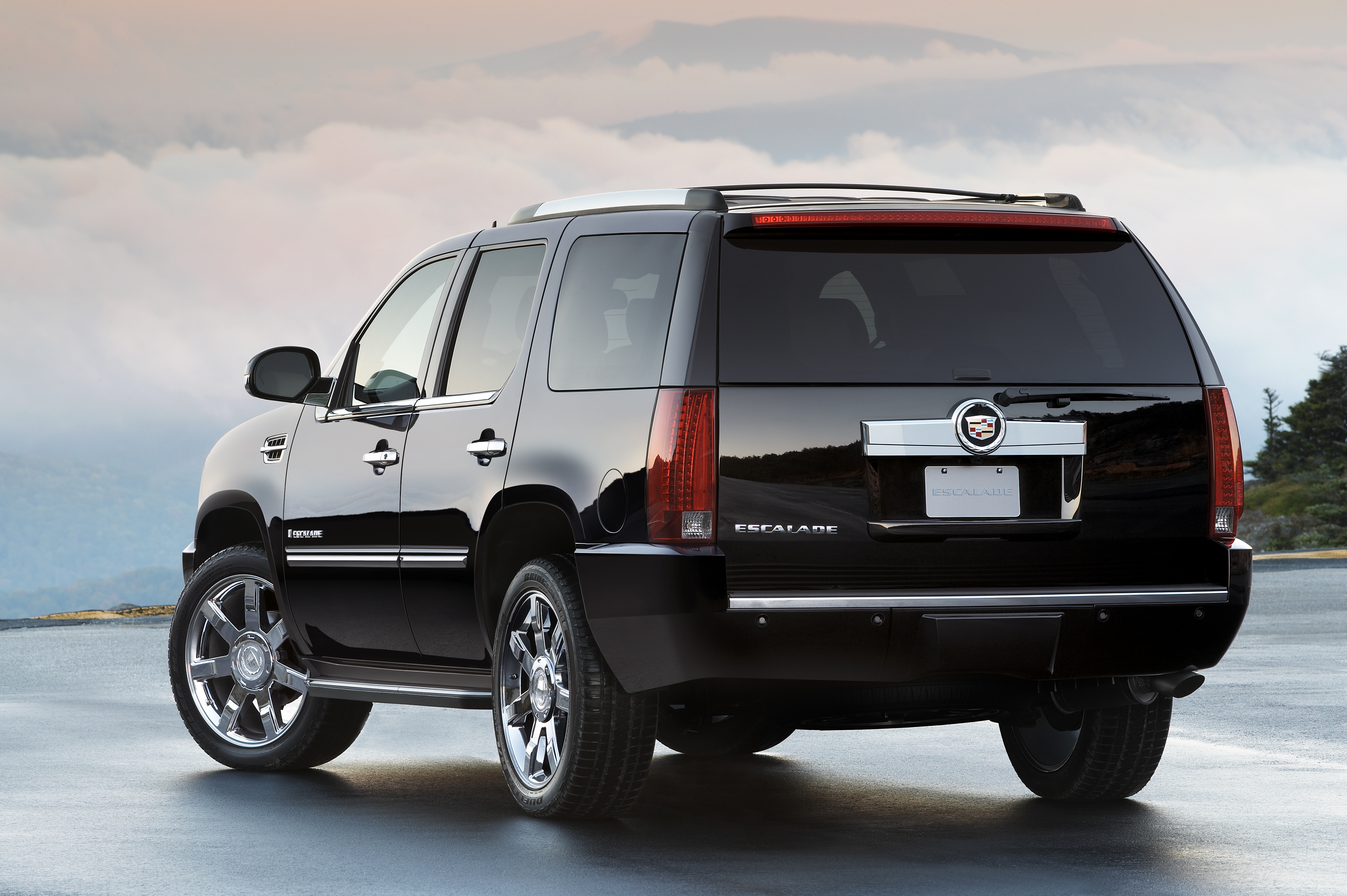 awd trend escalade motor rating cadillac ext and cars reviews dashboard suv
