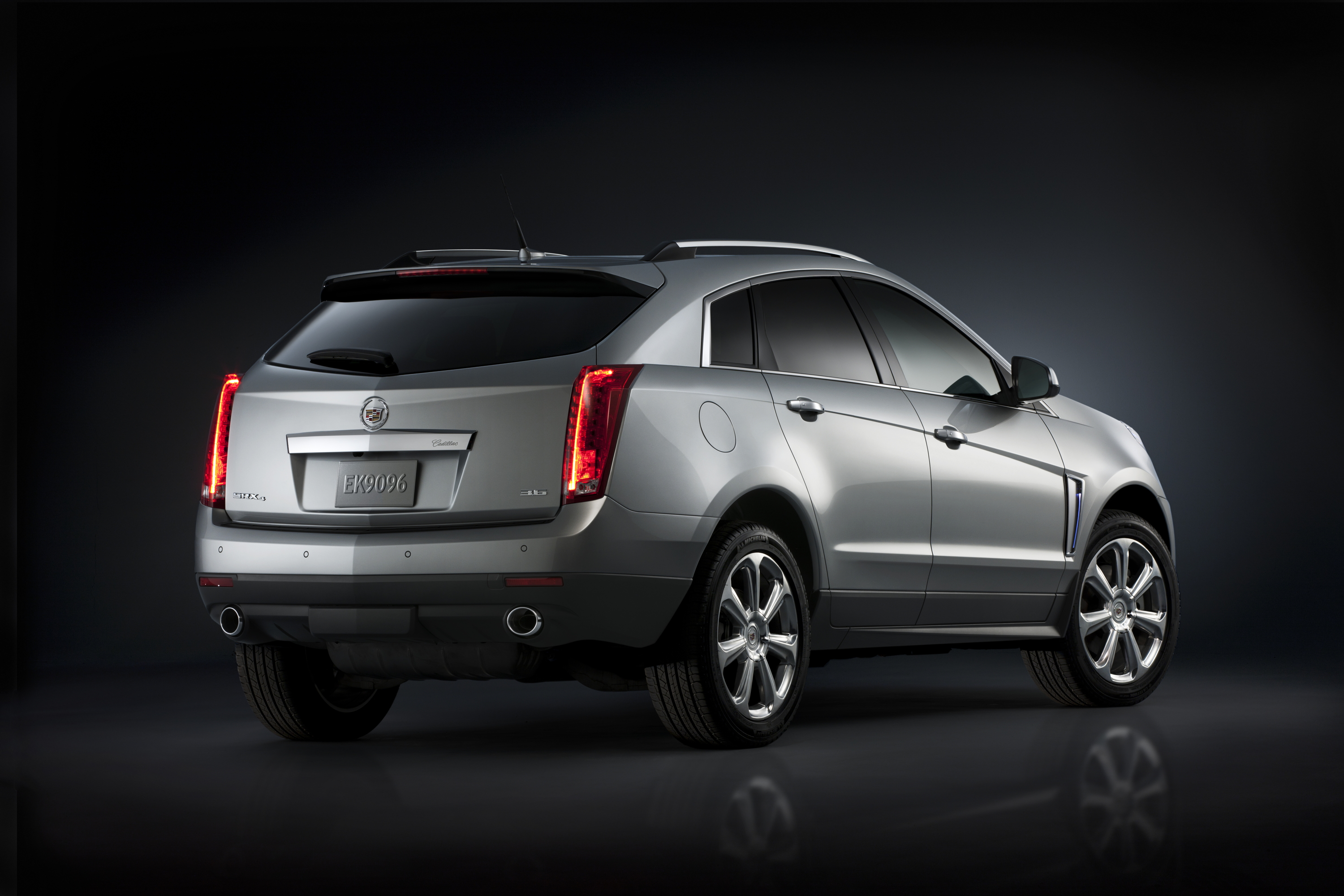 cadillac sema news fwd performance show by srx auto front dana buchman view collection suv