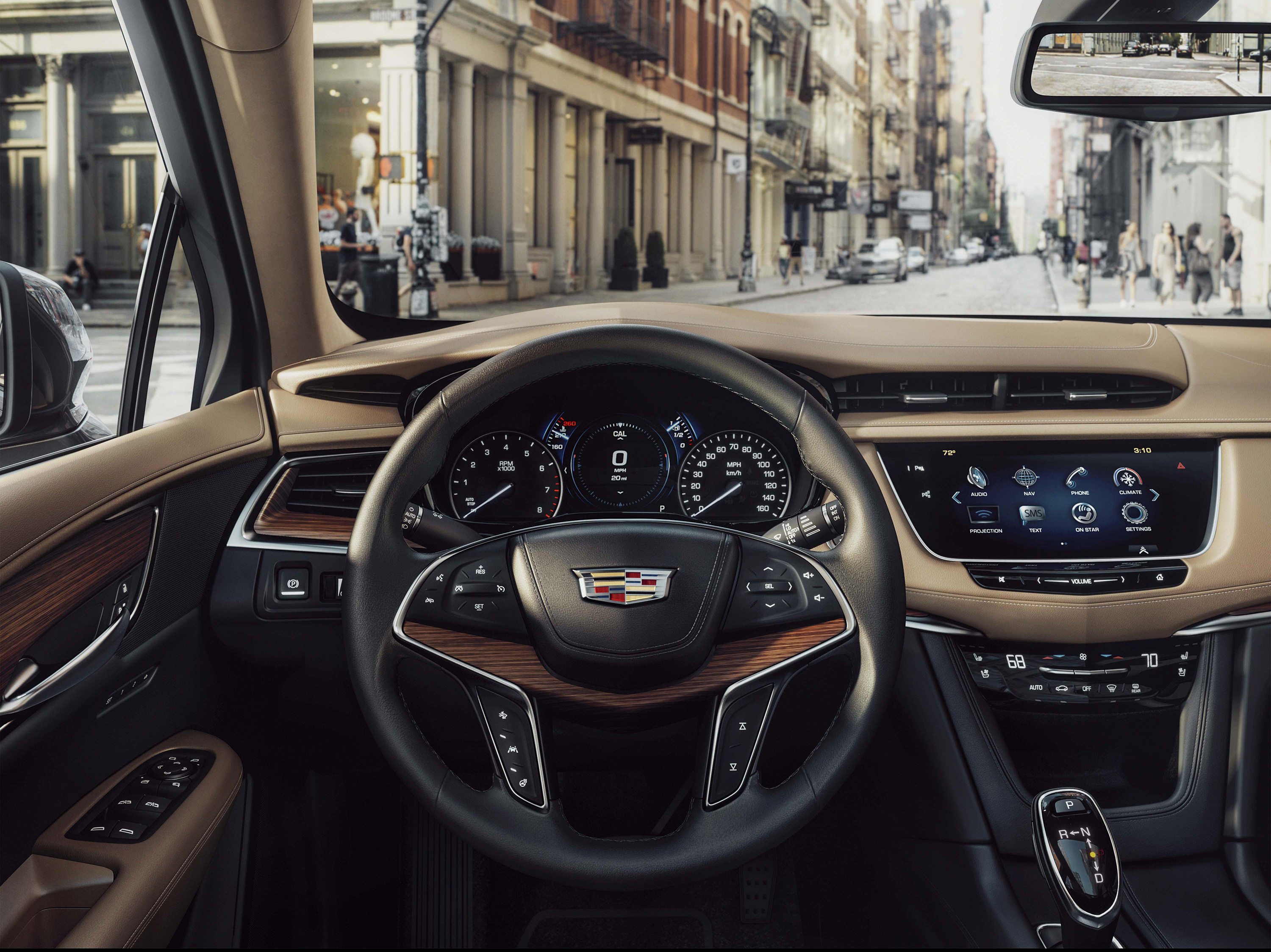 2017 Cadillac XT5 Named to 2016 WardsAuto 10 Best Interiors List